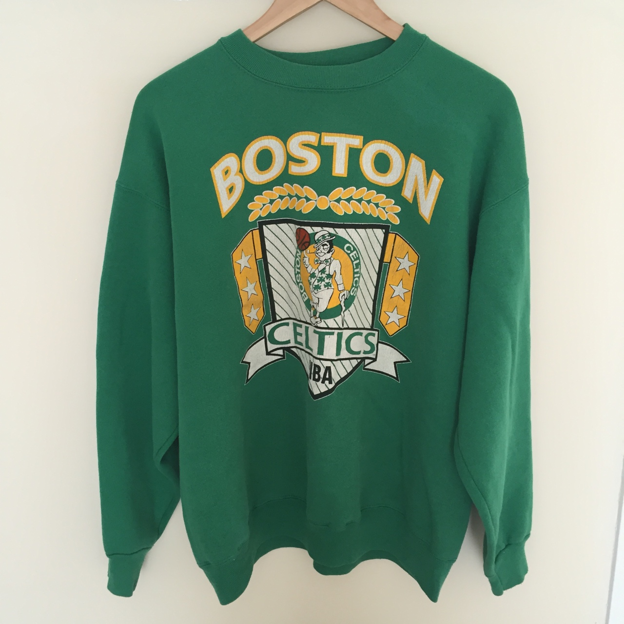 half off 05f11 a8d4d Vintage NBA Boston Celtics sweatshirt. Size medium... - Depop