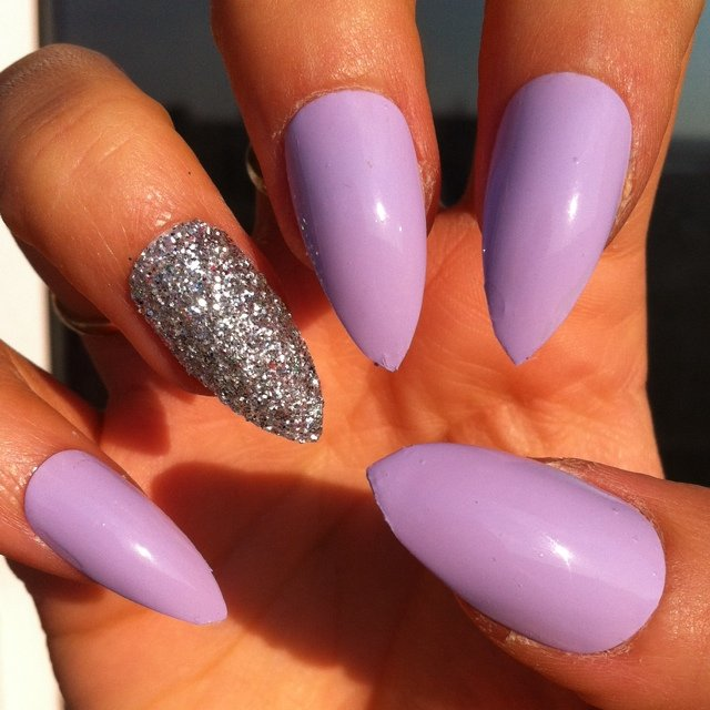 Stiletto Lilac With Glitter Ring Finger False Nails I Hand A