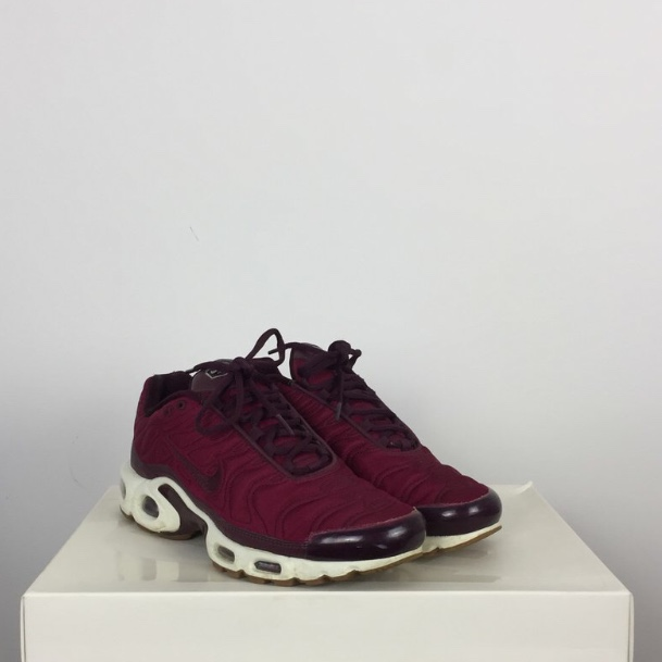 separation shoes dee7d 784ab Nike Tns - burgundy Excellent condition hardly worn... - Depop
