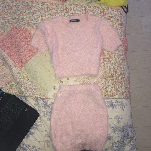 cd014f44bf75c8 Missguided fluffy pink matching coord! The top is a size 10 - Depop