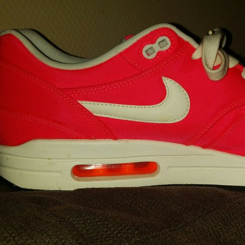 sports shoes e6ef8 512cb  Real men wear pink  Nike air- 0.