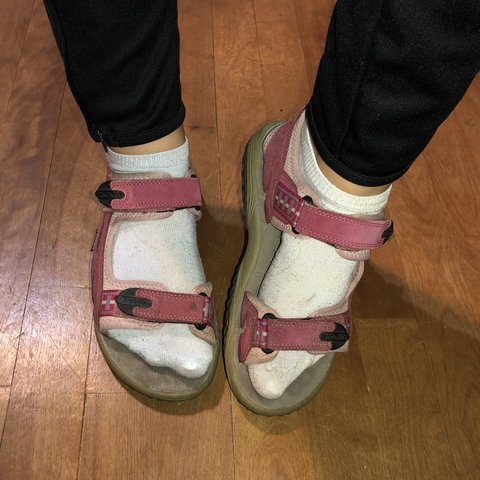 ac7732791c2 Vintage pink Teva velcro hiking sandals. A little bit dirty