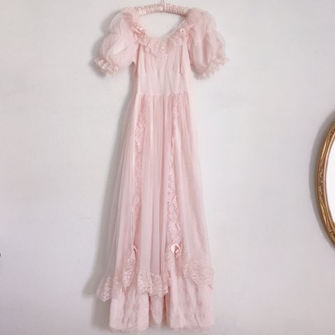 ON HOLD 💗✨ Vintage 1950s Angelic Baby Pink Nightgown. s0oOo - Depop 69c282224