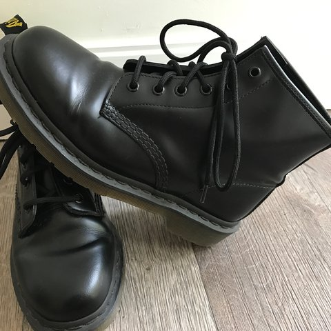 ac606deec2b Mid- rise Dr. Martin black leather boots