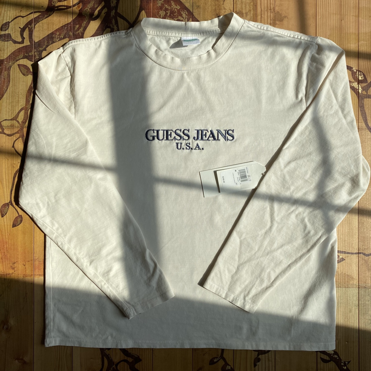 Product Image 1 - Vintage guess tee off white