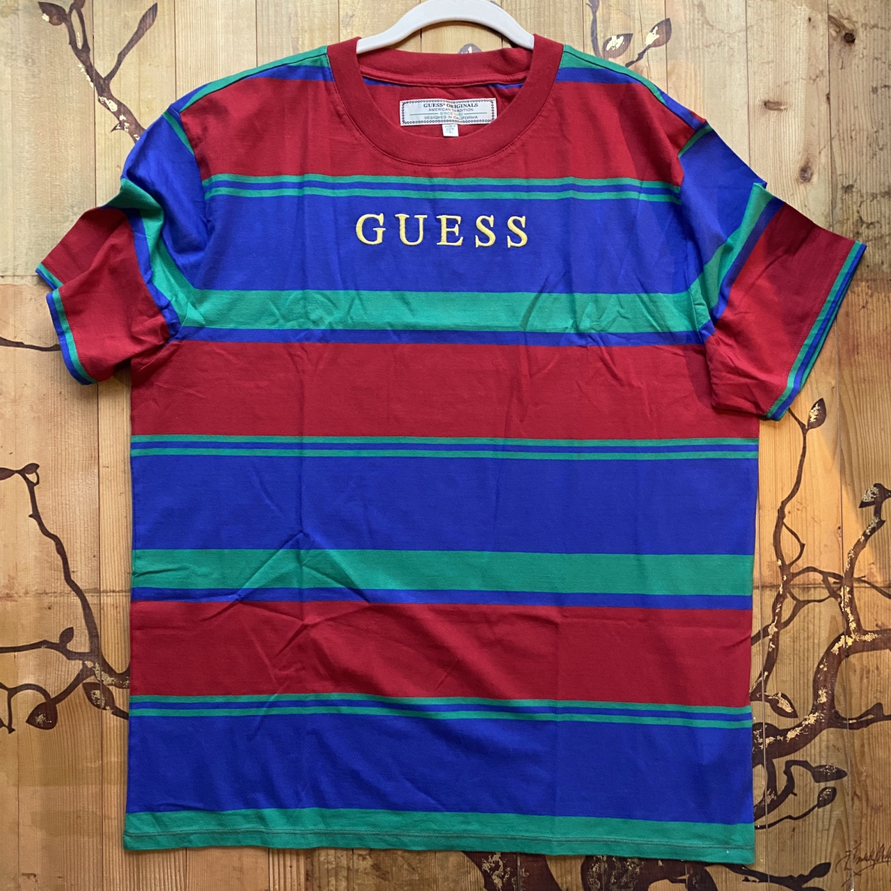 Product Image 1 - Red blue and green guess