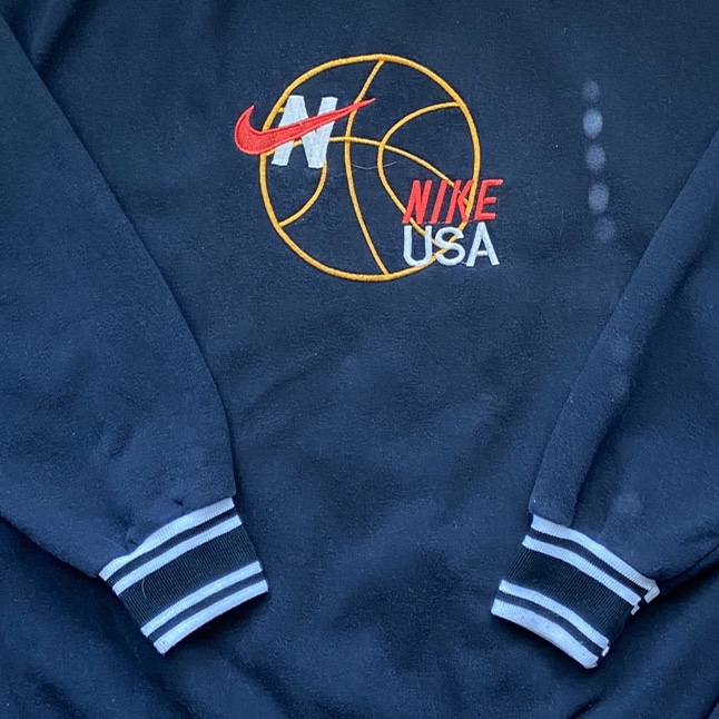 Product Image 4 - Beautiful embroidered vintage Nike sweatshirt