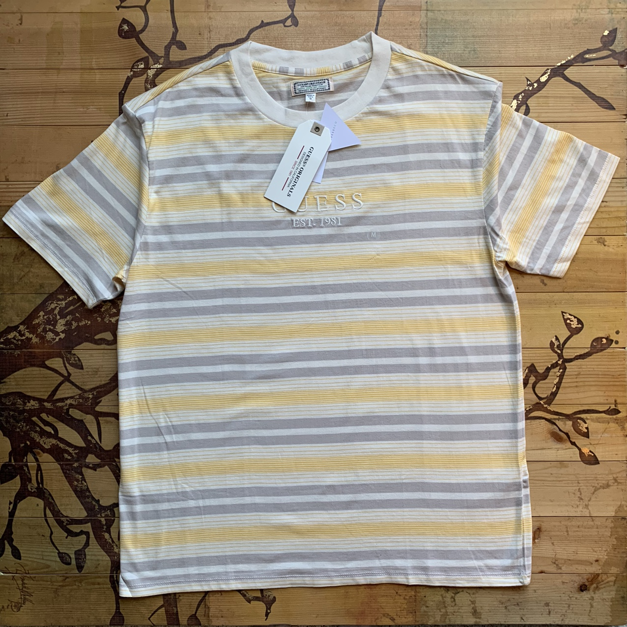 Product Image 1 - Tan and Grey stripped Guess