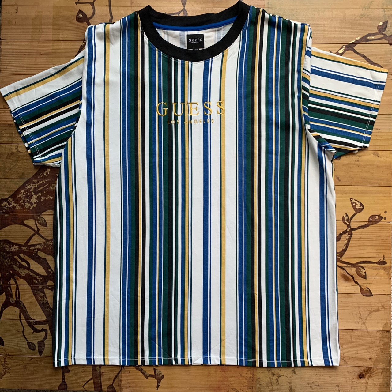 Product Image 1 - Beautiful guess striped tee #streetwear #vintage