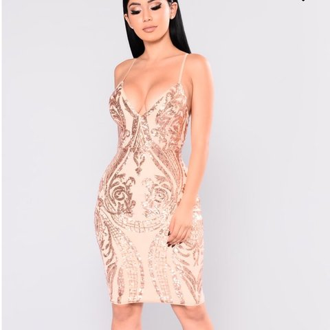 "a8998d3f95f Fashion Nova ""Ashe Sequin dress in Rose Gold"" Only worn XL - Depop"