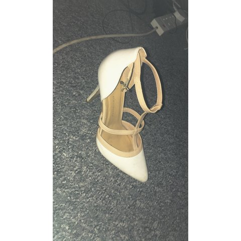 d7ef69673a34 White heels size 6 worn a couple of times but still in good - Depop