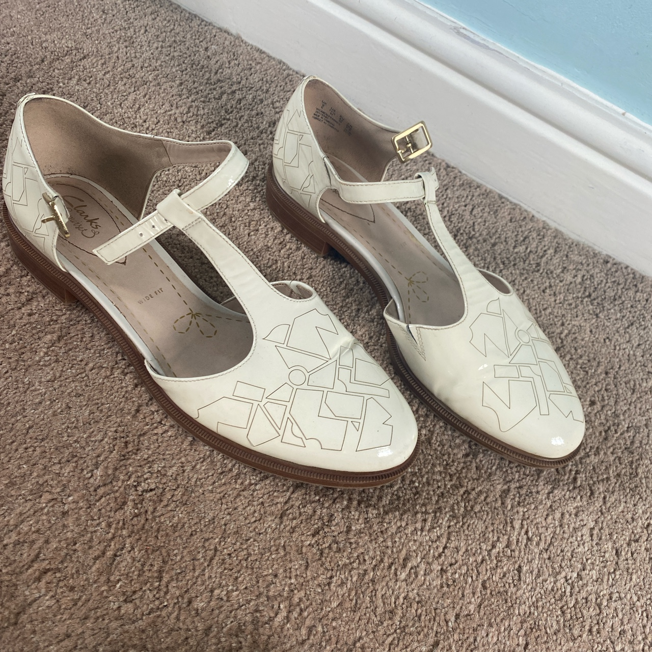 Clarks cream wide fit shoes Free