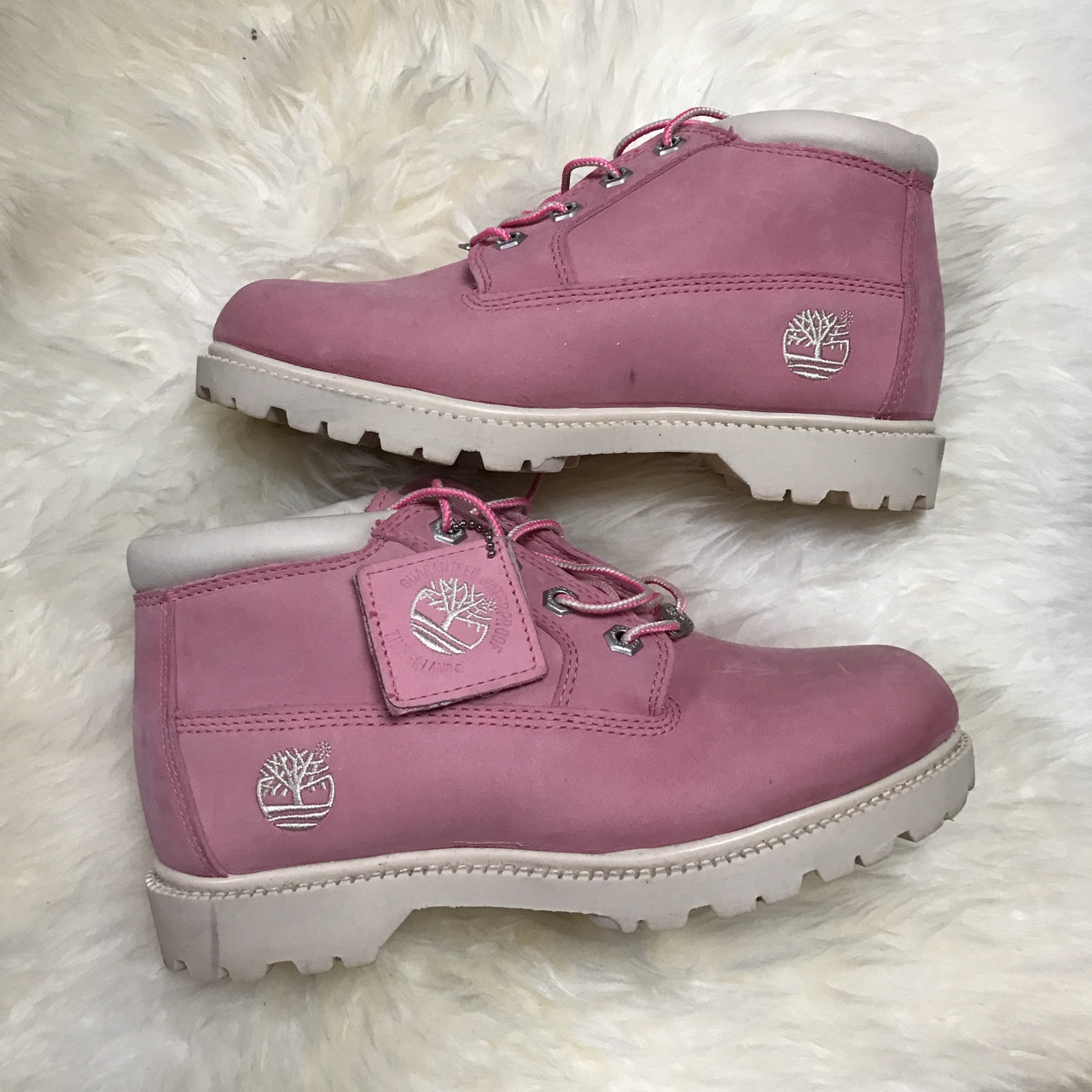 Timberland Baby pink boots </p>                     </div>                     <!--bof Product URL -->                                         <!--eof Product URL -->                     <!--bof Quantity Discounts table -->                                         <!--eof Quantity Discounts table -->                 </div>                             </div>         </div>     </div>              </form>  <div style=
