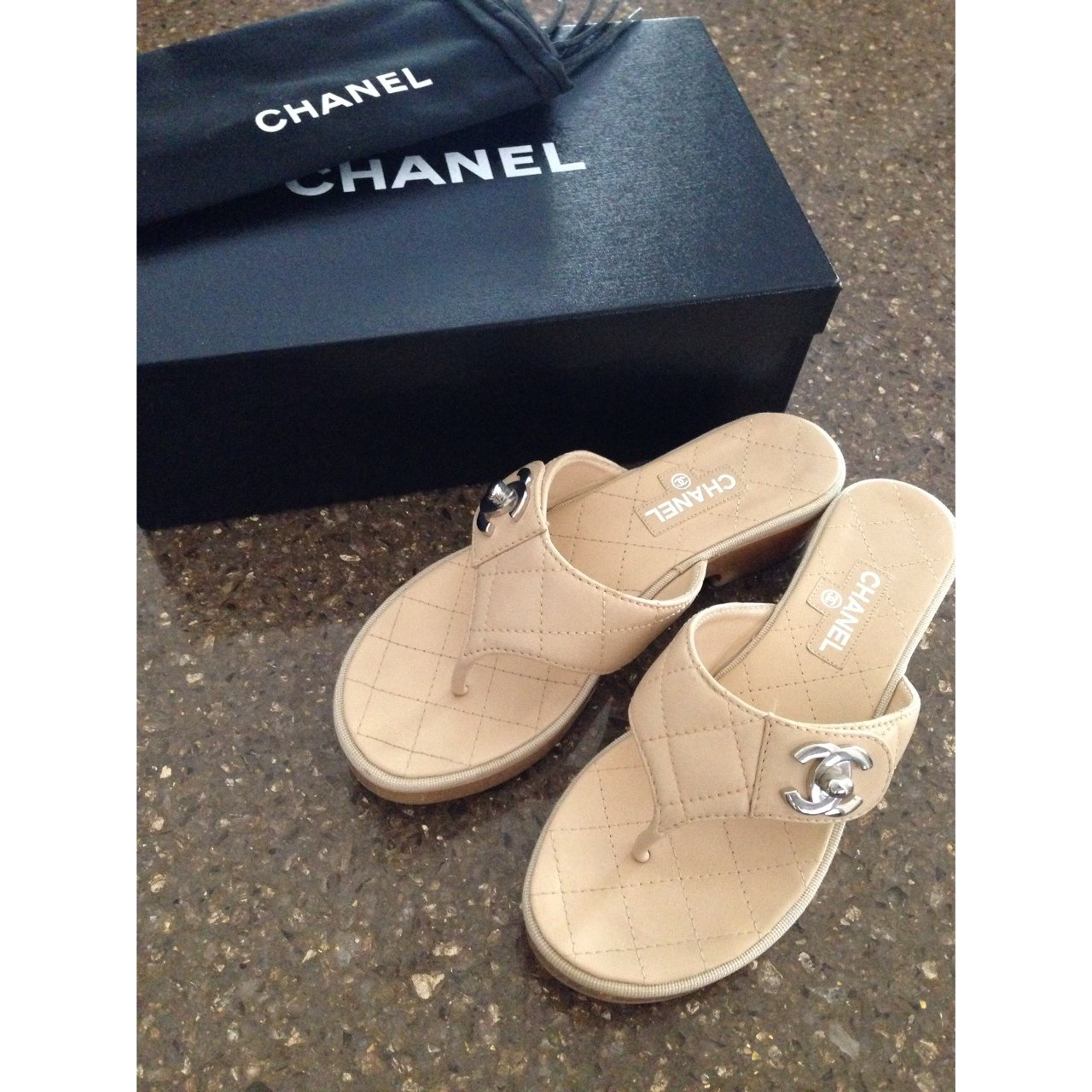 736ba2169f68 CHANEL CC Logo Quilted Thong Sandals in Beige    Worn once  - Depop