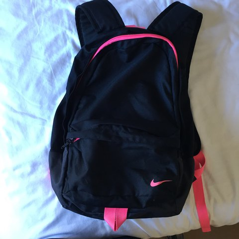 481b6bf4bd Retro nike black and pink backpack. In 10 10 condition. - Depop