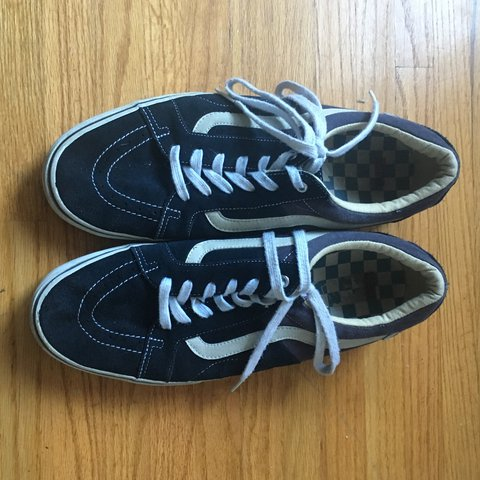6ecba63f8f Vans Av Native American Low in navy. good condition