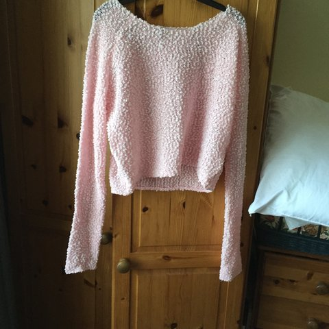 0e7d021044f6c light and pastel pink in bobble style  ) from h m is crop is - Depop