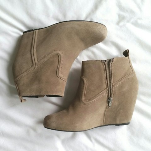 1a0eef056d16 DV by Dolce Vita Suede Wedge Ankle Boots  dvbydolcevita - Depop