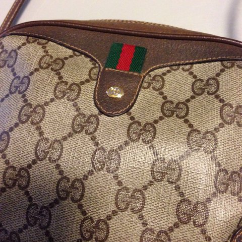 6aeda9afa1a VINTAGE GUCCI shoulder bag. 100% authentic   the genuine and - Depop