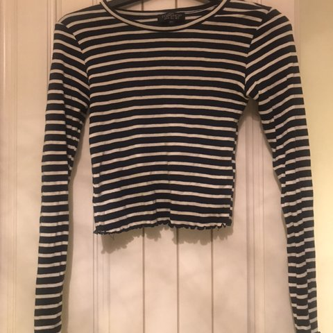 740f23cdb42 @scamp101. 6 months ago. Northwich, United Kingdom. Topshop petite white &  navy long sleeved striped crop top