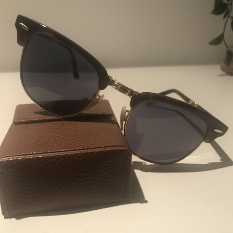 f8354d75ce62e Genuine Ray-Ban RB2176 Foldable Tortoise Shell Clubmaster so - Depop