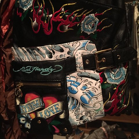 8c0400896f Ed Hardy black graphic cross body bag. Perfect condition and - Depop