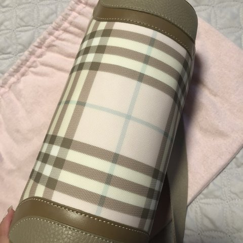 LIKE NEW Burberry Candy Pink- 1 2a74a6fe51472