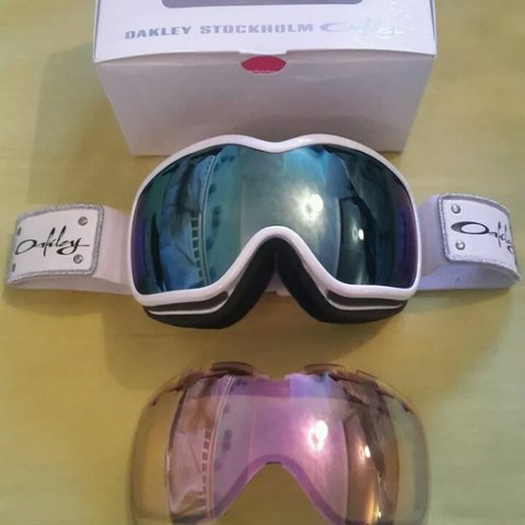 e2136209f2c18 Oakley Stockholm womens goggles. New lens put in (£50). with - Depop