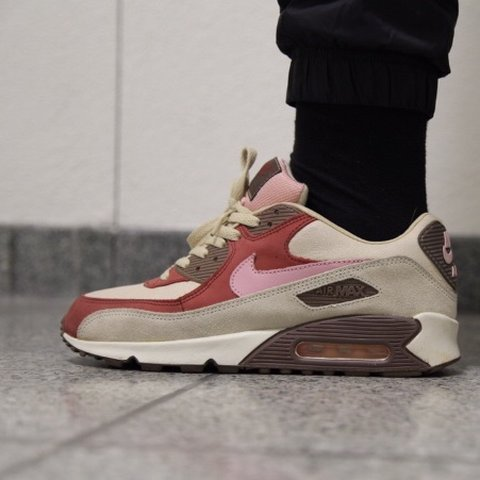 0159095d1ac Nike Air Max 90 Bacon Size 42 Never worn outside 9 10 Very - Depop