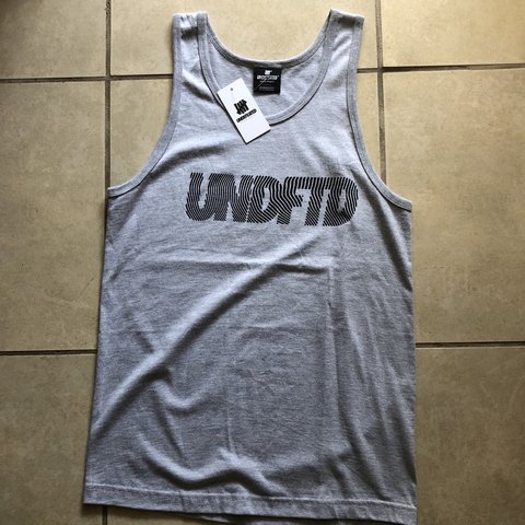 bf0247d9d192bc UNDEFEATED TOPO 5 STRIKE TANK TOP HEATHER GREY SIZE SMALL - Depop