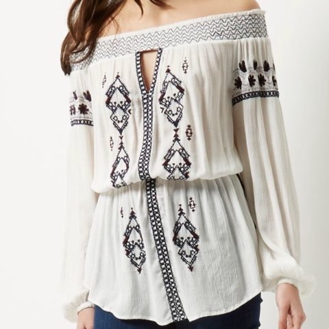 4d4b30f3942 River island cream bohemian embroidered off the shoulder top - Depop