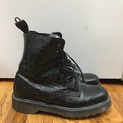 6242e0624cc6e Dr. marten pascals with croc embossed leather. Size 6. Worn - Depop