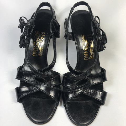 3df4fad1f1 These are such a cute strappy kitten heel! The design is and - Depop
