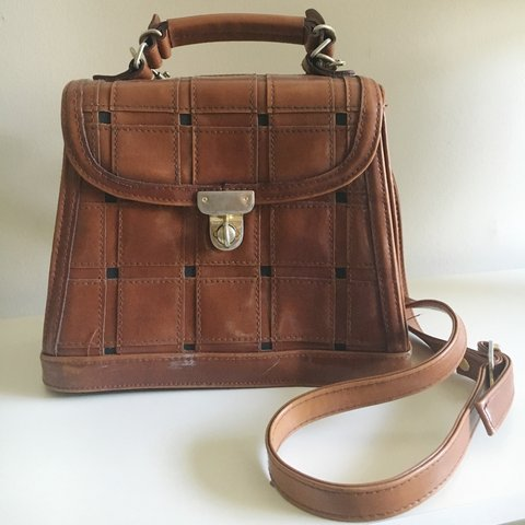 Gorgeous vintage bag crossbody style- 0 4ad44193c6cdc