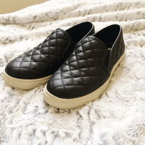 f85b365f20d Steve Madden black quilted slip ons. Only worn a few times! - Depop