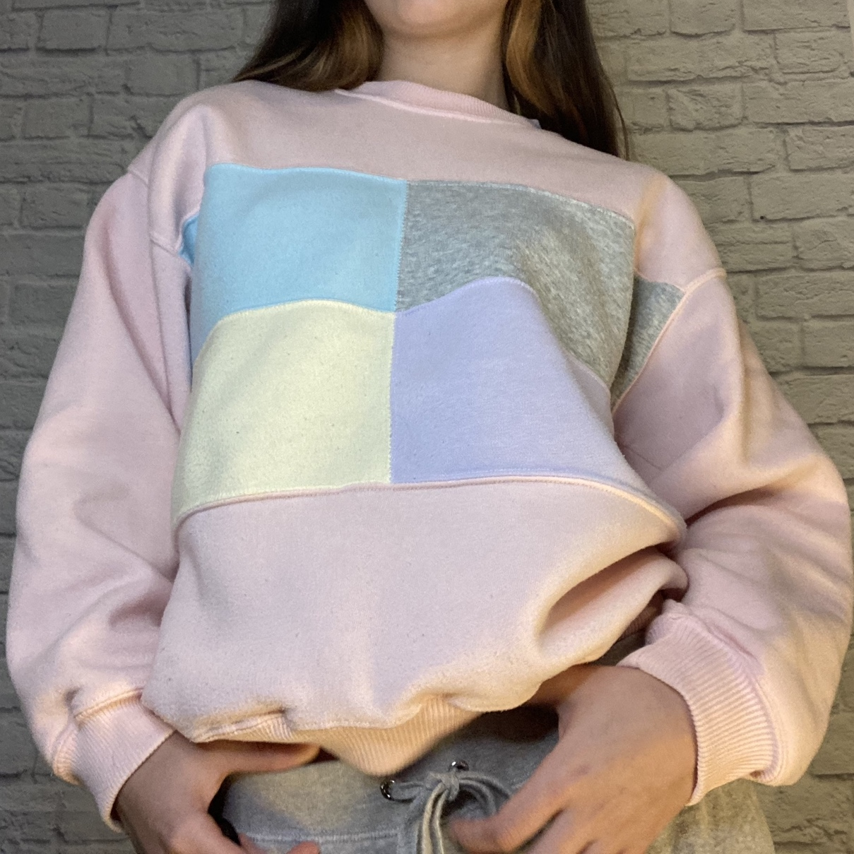 90s pastel color-block sweater 🌸💙