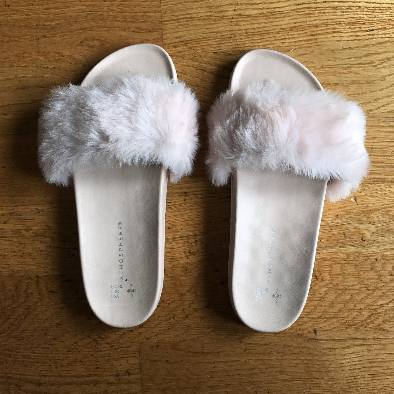 dd3a9199a437 Baby pink fluffy sliders from