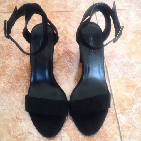 c89f3976533 Zara Woman black shoes size EU 38 (UK 5) with small heel