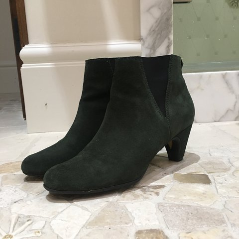 01e59f9a918c Sam Edelman Forest Green Ankle Booties! Suede