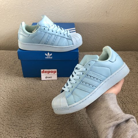 2d5a9d038ef60  zact. 4 days ago. United Kingdom. Adidas Pharrell William Superstar