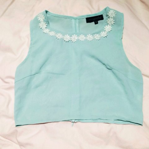 6ac317e695f98b @ellahewittx. 4 years ago. Romford, Greater London, UK. ✨MISSGUIDED CROP TOP✨  Mint green crop top with daisies ...