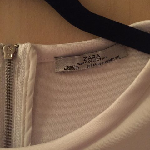ed482daaf4dd79 Zara Small White T would say 6-8. Almost like scuba Zip up - Depop