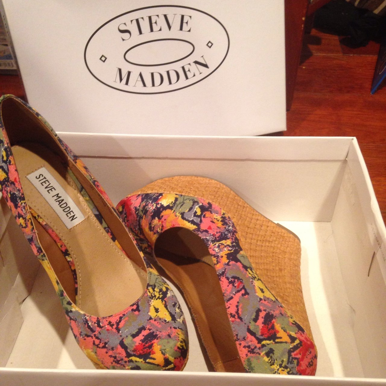 631b7872052 Steve Madden Floral wedges size 6 or may fit a size 5.5. 🍥 - Depop