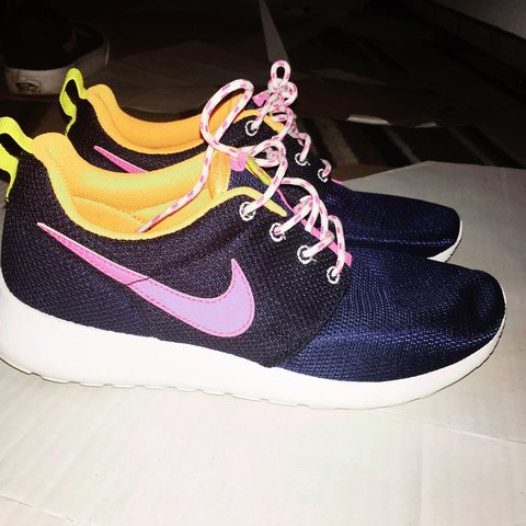 605343d5cbe3 Midnight blue Nike Roshe Runs. Never been worn
