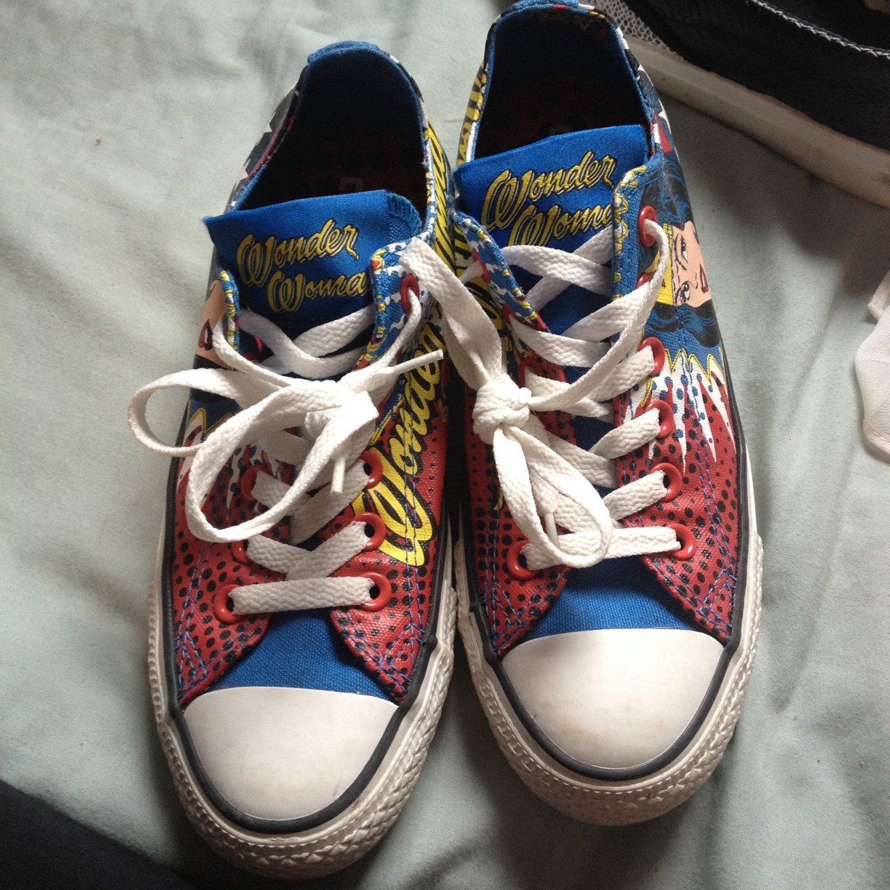 92773431a721 Wonder Woman converse. UK only. UK size 5 but fit a 4. PM 😊 - Depop