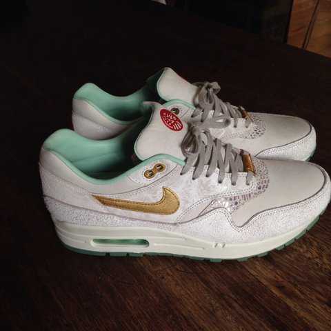separation shoes a1464 78d70  drakie06. 4 years ago. Essex, UK. Nike Air Max 1 YOTH ...