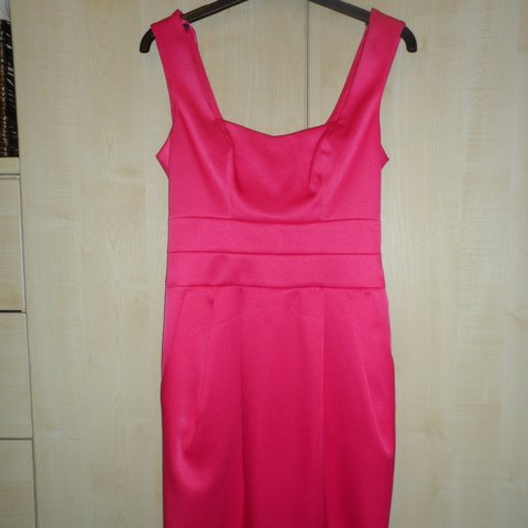 50d3e9c1351 Fuchsia pink satin river island dress style party. Size 6 8. - Depop