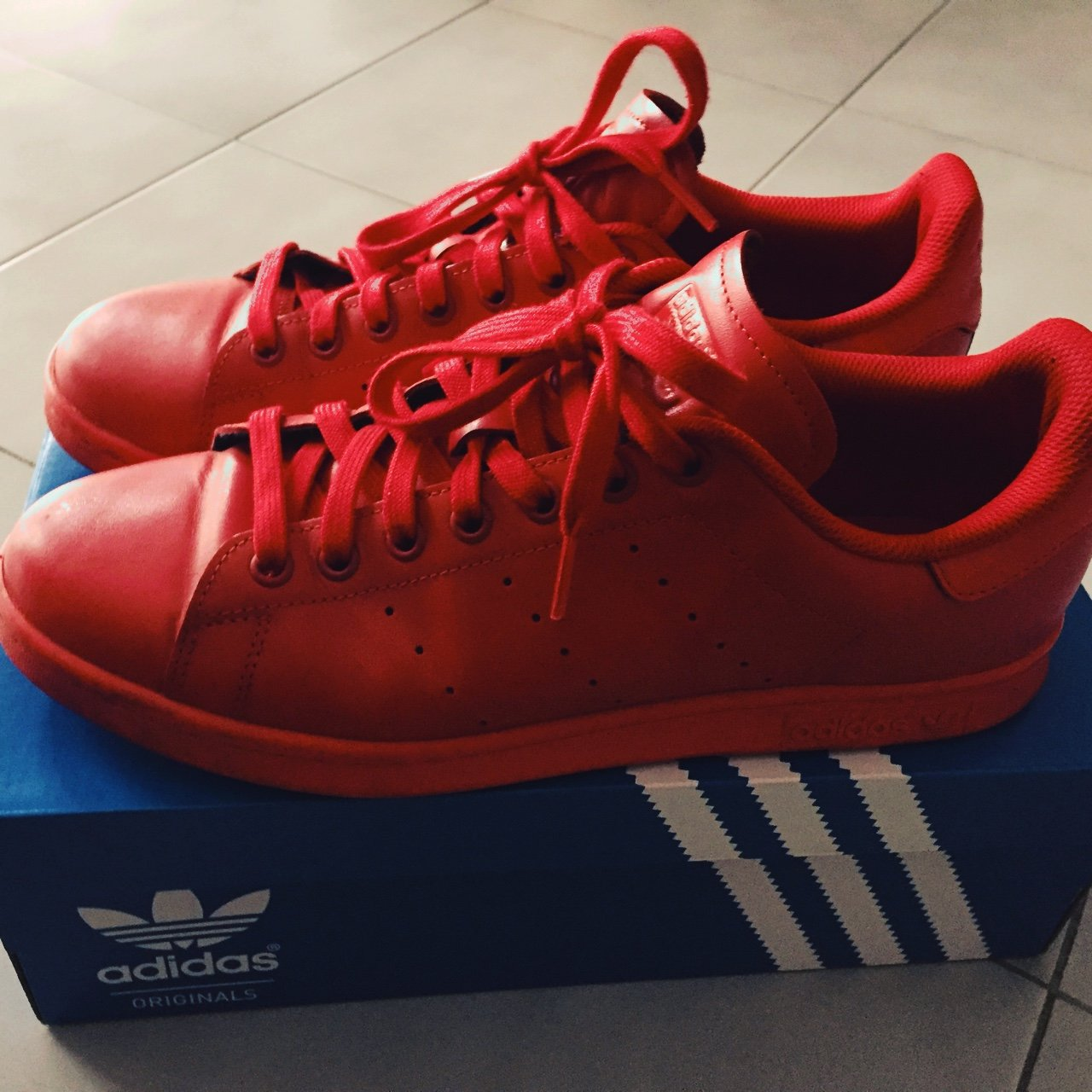 5aca22c2f  Adidas  Stan  Smith reflect  red