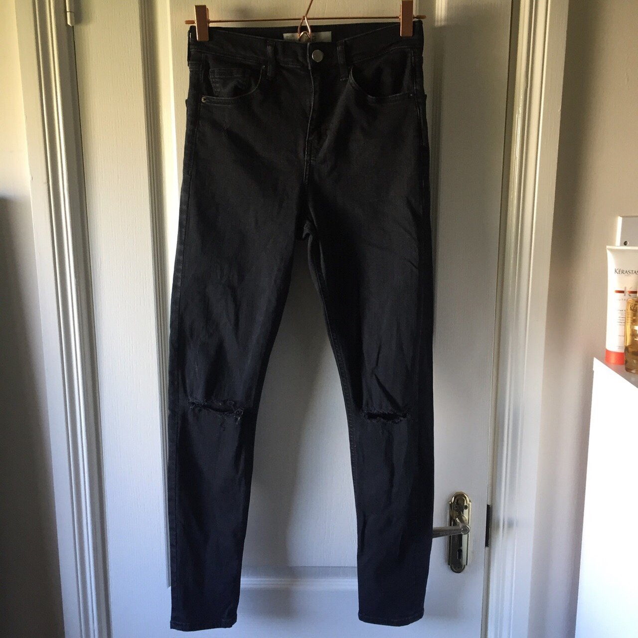 3c6f177e95f @rachienev. 4 months ago. Galway, Ireland. Topshop Jamie jeans. Dark grey  with ripped knees.