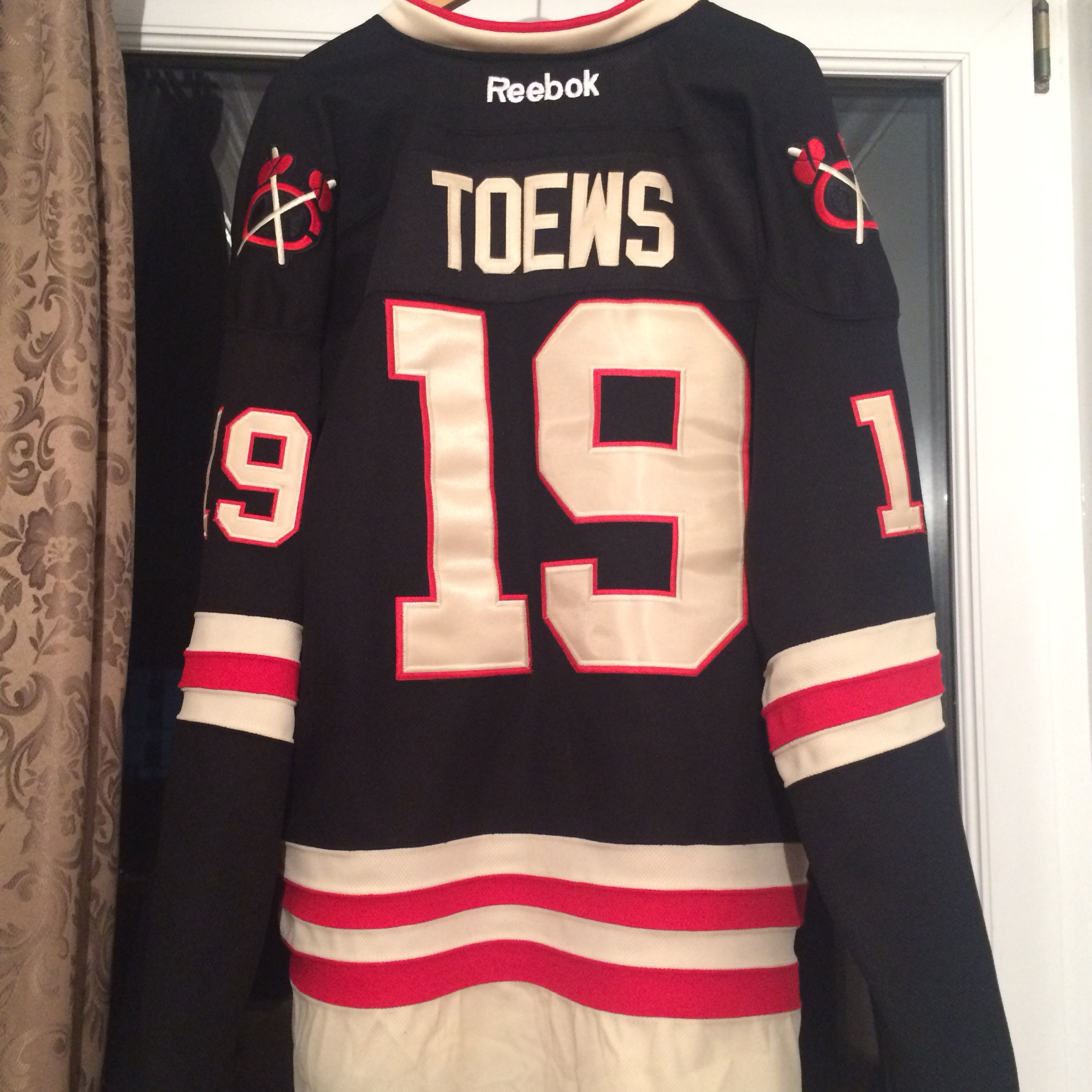 low priced 633b4 091d9 Chicago Blackhawks replicated Winter Classic Jersey... - Depop
